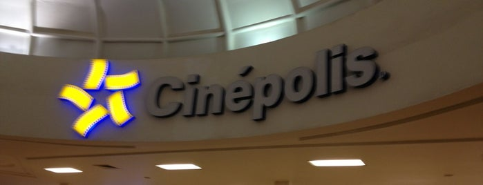 Cinépolis is one of luisさんのお気に入りスポット.