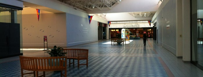 Greenspoint Mall is one of Lugares guardados de Mzz.