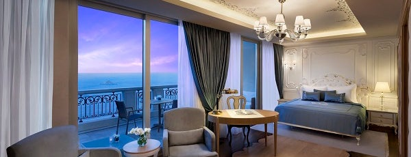 Park Bosphorus Istanbul Hotel is one of Orte, die Ece gefallen.