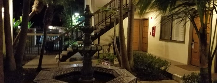 Franciscan Inn is one of สถานที่ที่ Lea ถูกใจ.