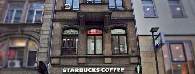 Starbucks is one of Lieux qui ont plu à Kate.