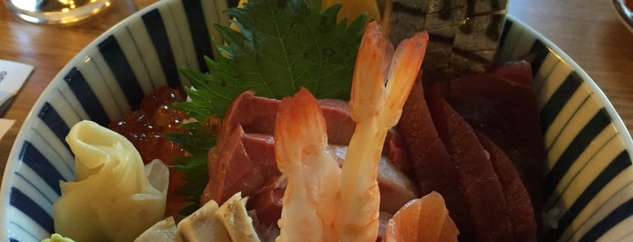 Urara Japanese Cuisine is one of huiline 님이 좋아한 장소.