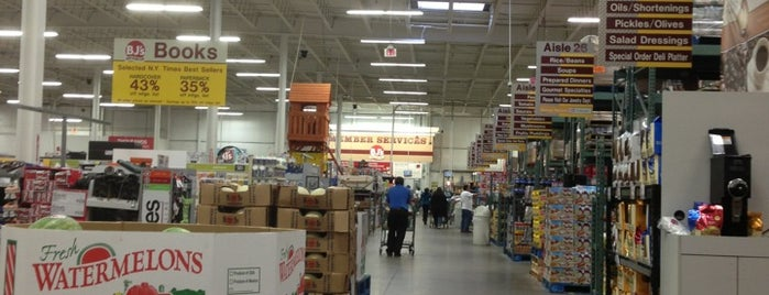 BJ's Wholesale Club is one of al's Liked Places.
