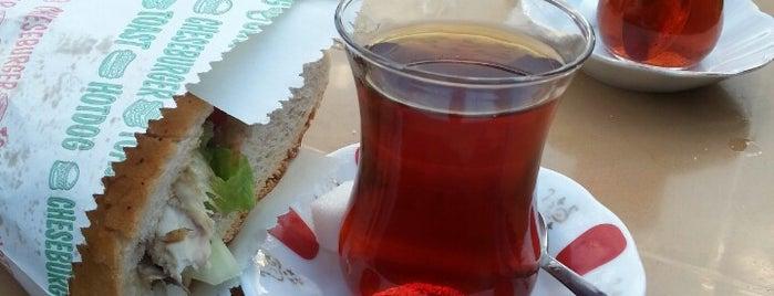 Karaköy Sahil Közde Çay is one of Murat'ın Beğendiği Mekanlar.