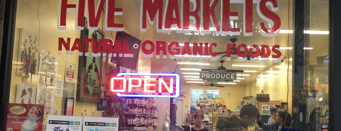 Five Markets Natural Organic Foods is one of Lugares guardados de Hannah.