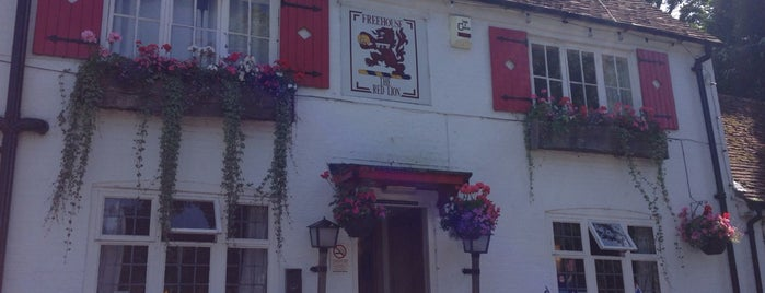 The Red Lion is one of Posti che sono piaciuti a Carl.