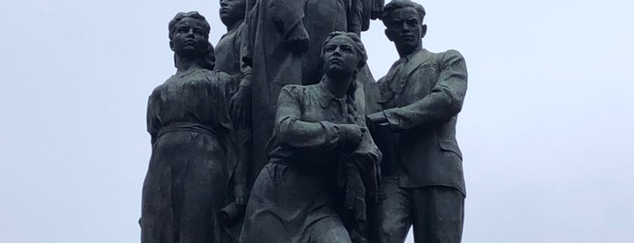 Памятник Героям Краснодона is one of Stanislav : понравившиеся места.