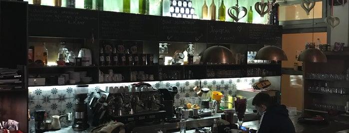Τα πάνω κάτω is one of Been There Cafe And Sweets.