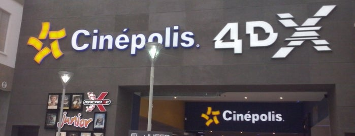 Cinépolis is one of Lugares favoritos de Edwulf.