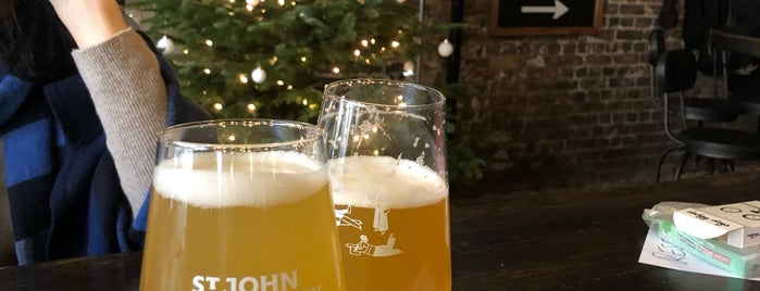 St John at Hackney Brewery is one of Orte, die hello_emily gefallen.