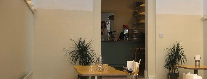 Snackbar is one of Gespeicherte Orte von hello_emily.