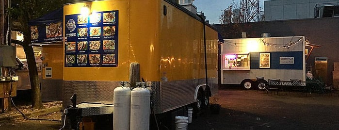 Belmont Foodcarts is one of Portland.