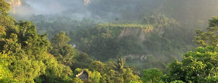 Janjang Koto Padang (The Greatwall of Koto Gadang) is one of West Sumatra Trip Destination - Minangkabau.