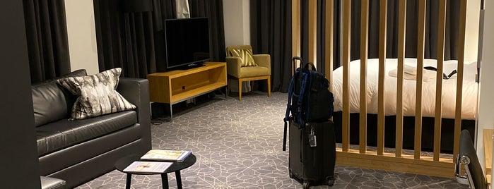 Apex City of Bath Hotel is one of สถานที่ที่ Pearl ถูกใจ.