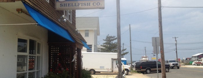 Harvey Cedars Shellfish Co is one of Jo-Annさんの保存済みスポット.