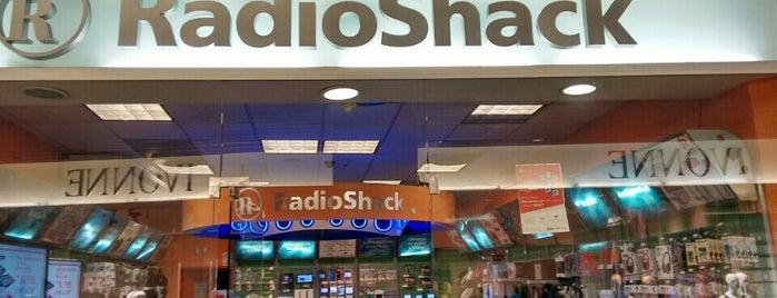 Radioshack is one of Gespeicherte Orte von Cesar.