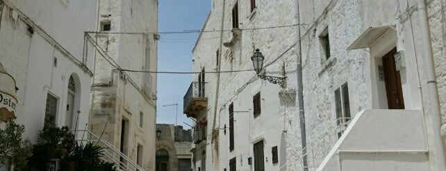 Ostuni is one of Neapol.