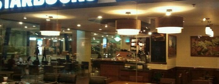 Starbucks is one of Locais curtidos por Clarissia.