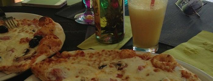 La Pizza Pirate is one of Locais curtidos por Elizabeth.