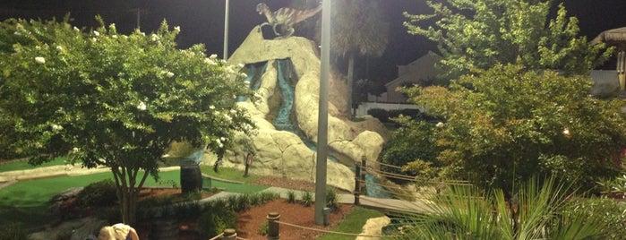 Prof. Hacker's Dinosaur Adventure Mini-Golf is one of Lieux qui ont plu à James.