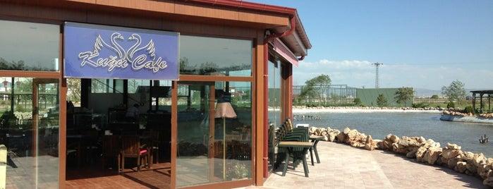 Kuğu Cafe is one of Orte, die EmRe 👑 gefallen.