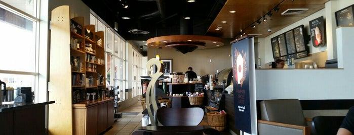 Starbucks is one of Lieux qui ont plu à Dawna.