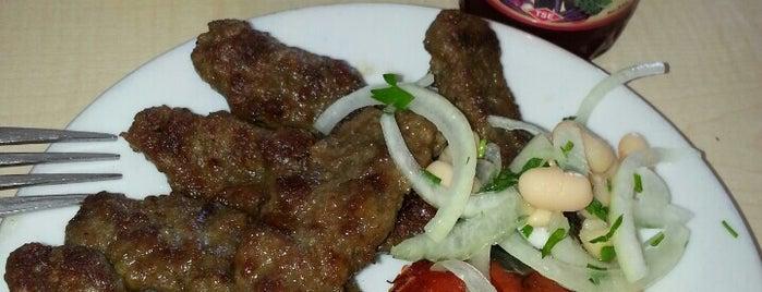 Petek Kebap & Yemek is one of Eskişehir İlçeleri Gezilececek\Yenilecek Yerler.