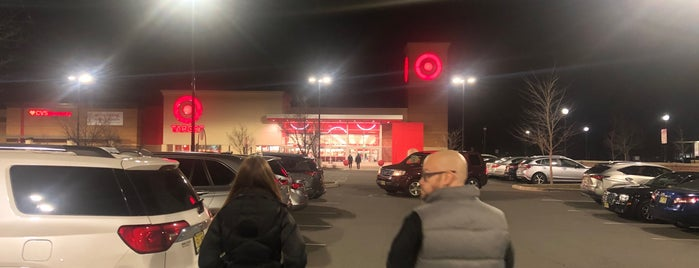 Target is one of Ashleyさんのお気に入りスポット.