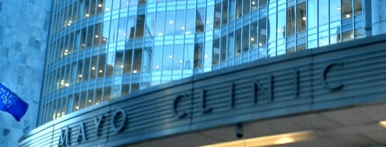 Mayo Building - Mayo Clinic is one of Locais curtidos por Jeff.