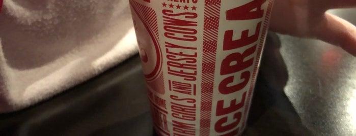 Cruze Farm Milk Bar is one of Posti che sono piaciuti a Marjorie.