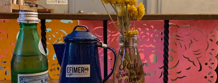 Efimero Café is one of Locais curtidos por Karla.