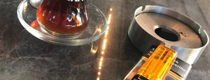 Cafe Mokka is one of Lugares favoritos de ✨💫GöZde💫✨.