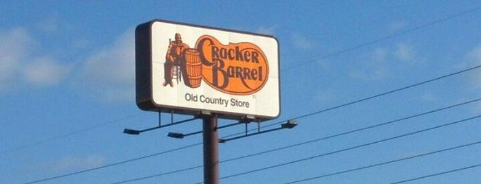 Cracker Barrel Old Country Store is one of Locais curtidos por Felix.
