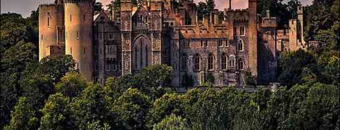 Arundel Castle is one of Locais curtidos por Victoria.