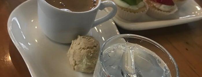 Vatan Cafe is one of Lugares favoritos de Mehmet Ali.