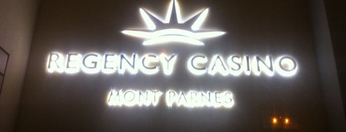 V.i.p Prive Club @ Regency Casino Mont Parnes is one of Orte, die John gefallen.