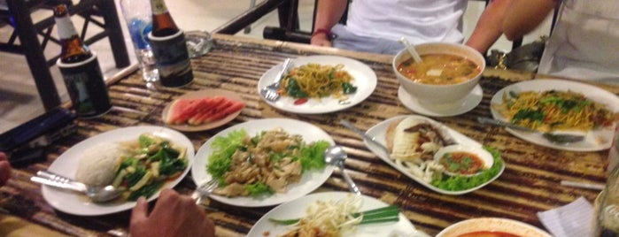 Boat Noodle Ao Nang is one of Locais curtidos por Dicle.