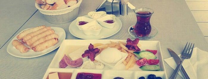 Cafe Lounge 34 is one of Barış'ın Beğendiği Mekanlar.