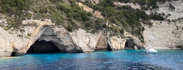 Blue caves is one of Tempat yang Disimpan Alper.