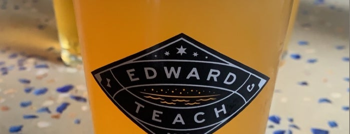 Edward Teach Brewing is one of Lilianaさんのお気に入りスポット.