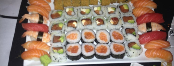 Itamae Sushi is one of Donde ir a comer.