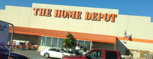 The Home Depot is one of Lugares favoritos de Lovely.