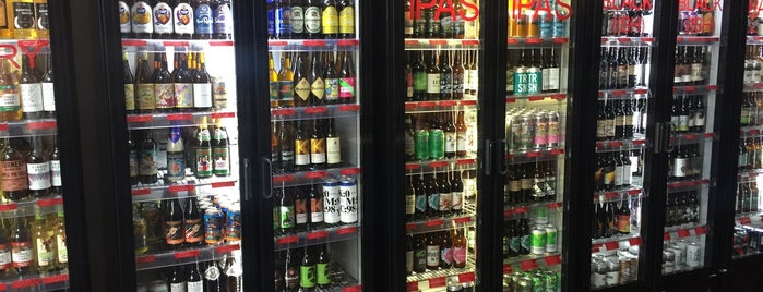 Mother Kelly's Bottle Shop and Tap Room is one of Posti che sono piaciuti a Panagiotis.