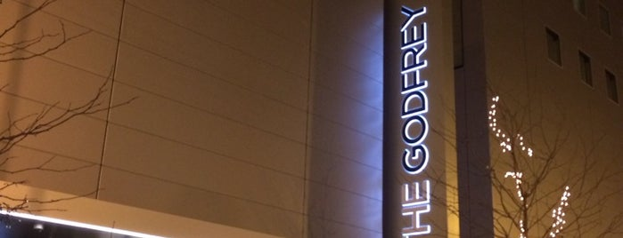 The Godfrey Hotel is one of Tempat yang Disukai Dustin.