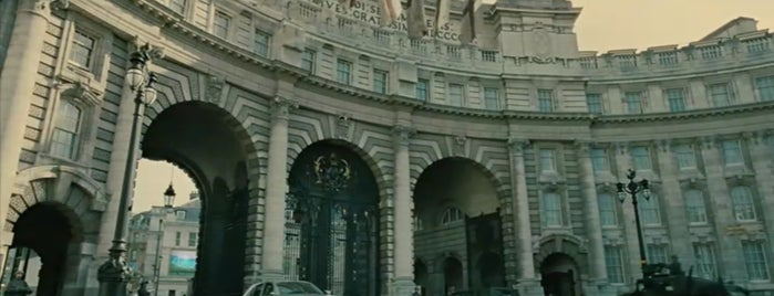 Admiralty Arch is one of Children of Men (2006).