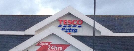 Tesco Extra is one of สถานที่ที่ aa ถูกใจ.