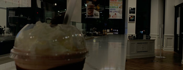 The Milk Shake Factory is one of Karenさんのお気に入りスポット.