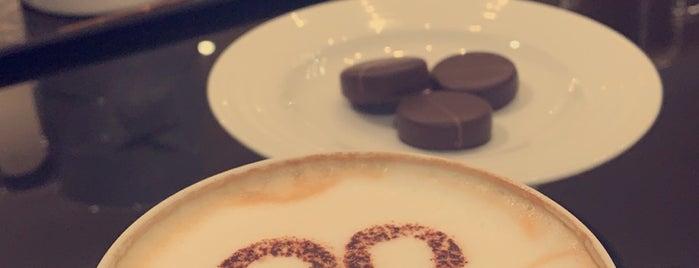 Patchi cafe is one of สถานที่ที่บันทึกไว้ของ Sara.