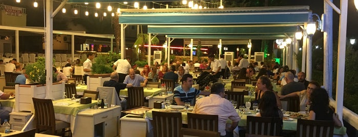 Aşina Makam Restaurant is one of Posti che sono piaciuti a Mehmet.