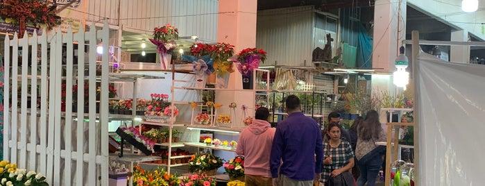 Mercado de Flores is one of Posti che sono piaciuti a Thais.